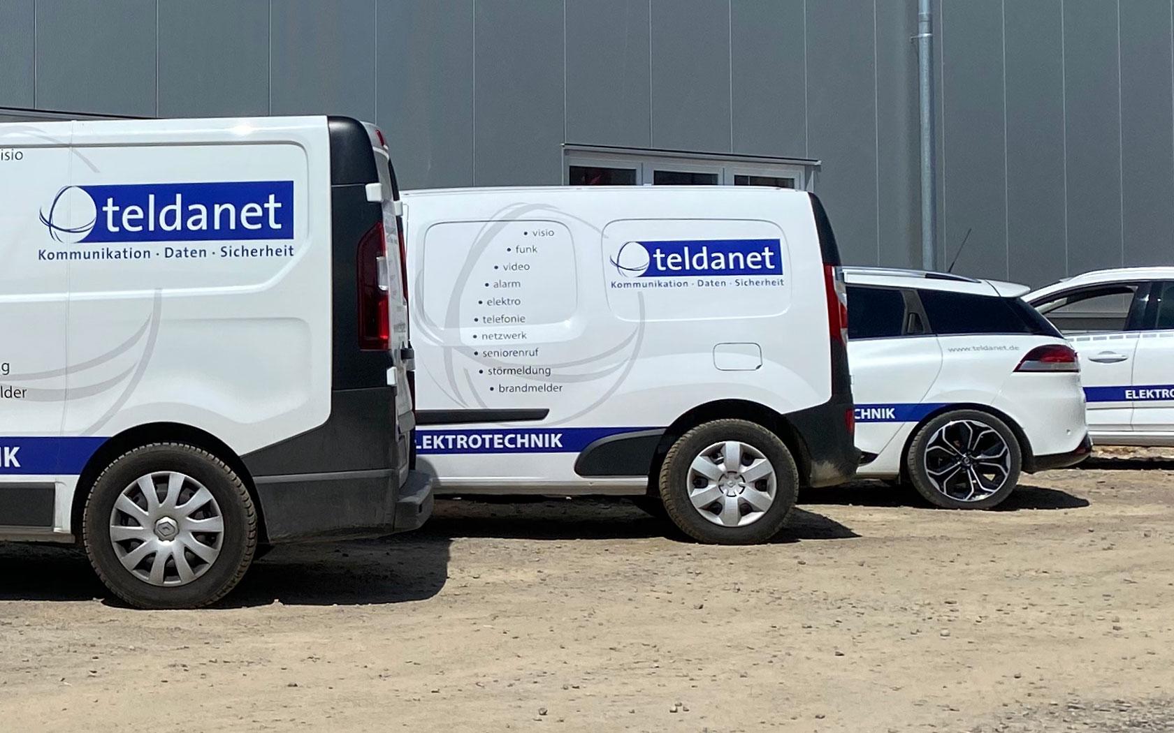 Teldanet GmbH: Unternehmen Service-Fahrzeige